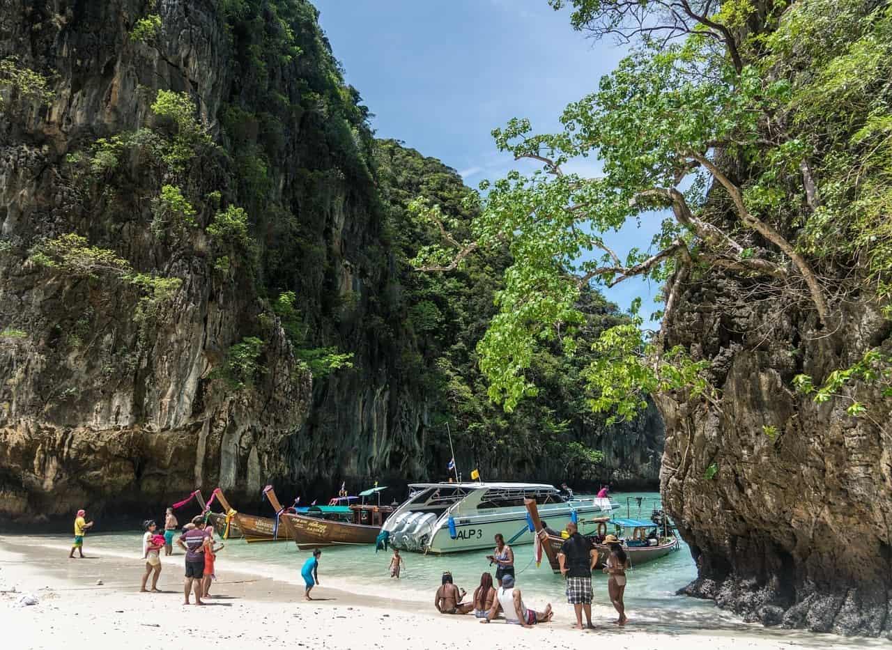 Snorkeling Tour Operators
